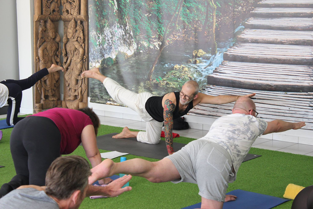 4.Et-le-Yoga-fait-son-effet,-les-sourires-apparaissent-